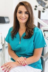 Dr. Anca Rusu - Medic chirurg - Specialist Implantologie Dentara