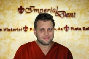 Dr. Mihai Stoenescu - Medic Implantolog Bucuresti | Implant dentar